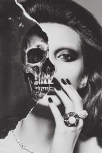 esqueleto e mulher